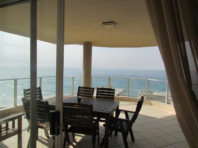 3 bedroom Apartment / Flat for sale in Margate for R 1950000 with web reference 103287434 - Proprop Hibiscus Coast