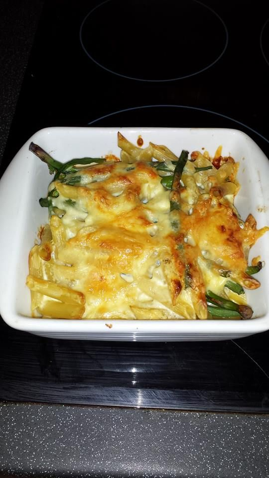 Par boiled pasta and veg (used green beans and broccoli but whatever you fancy).  Topping is 2 eggs mixed with natural yogurt or quark. I just add the yogurt until I like the consistency and season. Put 20g of my HEA reduced fat cheddar in the sauce, poured over the pasta and veg, then sprinkled the other 20g over the top.
