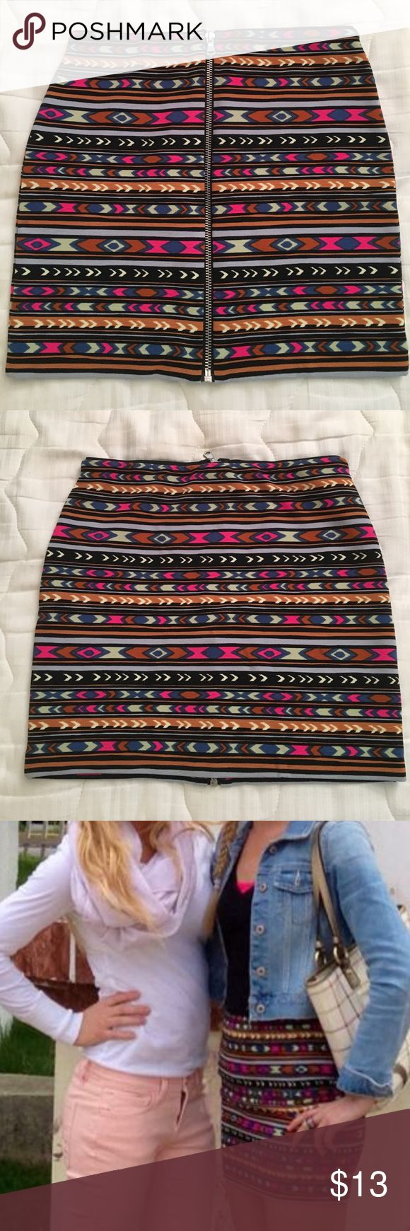 Tribal print Bodycon Forever 21 Skirt! Like new! Worn once, like new! Cute bodycon print skirt with zipper down the entire front or back (can be worn either way). Size small. Forever 21 Skirts Mini
