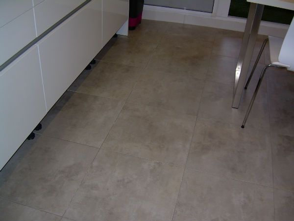 17 best images about pavimentos para interiores on - Suelos de cocina modernos ...