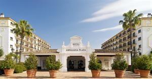 Hotel H10 Andalucia Plaza  Description: Algemene beschrijving: H10 Andalucia Plaza in Puerto Banus heeft 400 kamers verdeeld over 5 verdiepingen. Het hotel ligt 500 m van het zandstrand. De dichtstbijzijnde plaatsen vanuit het hotel...  Price: 416.00  Meer informatie  #beach #beachcheck #summer #holiday