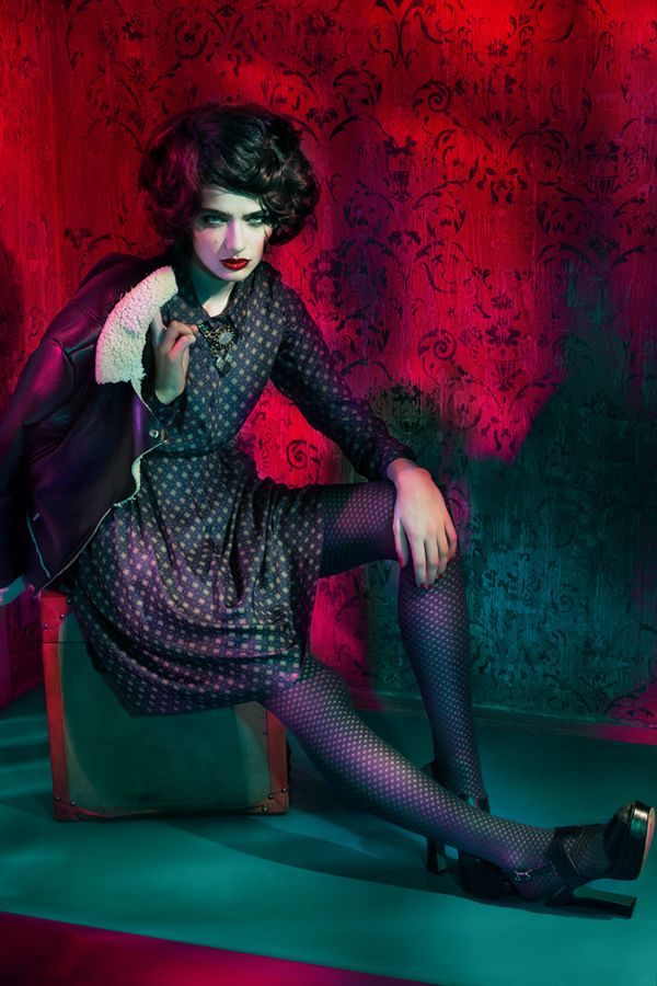 LOUNGE    Photographer: Andrey Yakovlev Art director: Lili Aleeva Model: Liza Martynchik MUAH: Ekaterina Maksimova Style: Alesya Goretskaya for Alena Goretskaya Campaingfаll / winter 2015   (600×900)