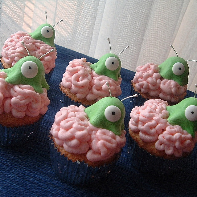Brain slug cupcakes, have to have a futurama themed party one of these days.