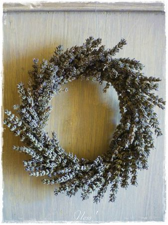 Les 25 meilleures id es de la cat gorie couronne de lavande sur pinterest couronnes de porte - Quand planter la lavande ...