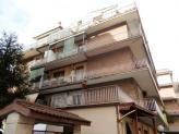 Immobiliare Roma Appartamento bilocale in affitto - 65 mq -  800  Roma via federico delpino zona Centocelle  CENTOCELLE - Appartamento composto da: ingresso ampio salone cucina abitabile camera da letto matrimoniale servizio e balcone perimetrale. Euro 800 Rif 2369 per info 067801954 - 067840284 CLASSE ENERGETICA: G (DL 192 19/08/05) IPE: 175.00 kwh/mq - Classe energetica: G - IPE: 175.00 kwh/mq  Vedi altri annunci simili di appartamenti bilocali in affitto a Roma  Segui Attico.it su…
