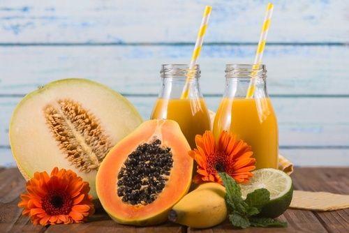 Succo di melone ananas e papaya