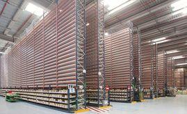 Le nouvel entrepôt de 22 000 m² est équipé de différents systèmes de stockage adaptés à sa grande diversité de produits