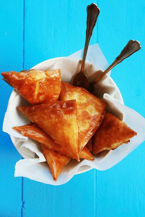 Tyropitákia - feta and phyllo, mini cheese pies