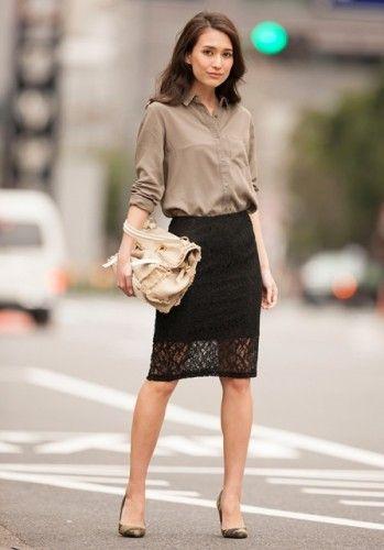 いつものスーツにタイト目のシフォンスカートを加えてみて☆いつものスーツに変化を♪ビジネススーツスカートのコーデ、スタイル・ファッションの参考に♪