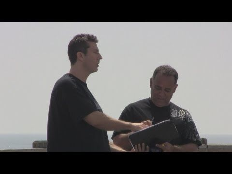"""Watch and Weep: Here's a Video of People Signing a Petition to Repeal the Bill of Rights 7/9/13 ---The STUPID Liberal Sheeples would do ANYTHING to support """"Comrade Barry!""""---  THIS is so VERY VERY SAD!!!"""