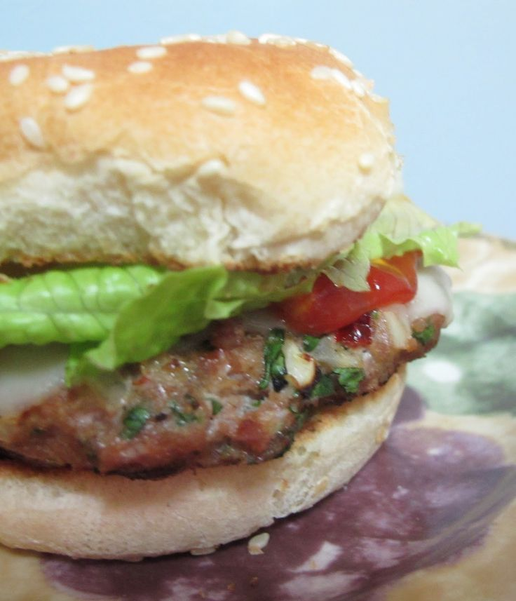 A VERY flavorful turkey burger recipe for 6 Weight Watchers points with garlic and onion powders, seasoning salt and chipotle pepper and cilantro. Delicious.