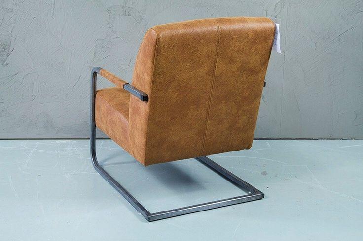 Fauteuil WW-In met metalen frame en in verschillende kleuren stof en leer leverbaar 91 hoog 63 breed 86 diep en zithoogte 45 - Uw landelijke woonwinkel voor teak uit Winsum (Groningen)