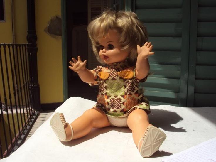 -Muñeca Rayito de Sol, fabricada en goma dura.