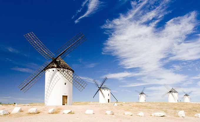Ruta de Don Quijote: de Campo de Criptana a Tomelloso y Argamasilla de Alba.