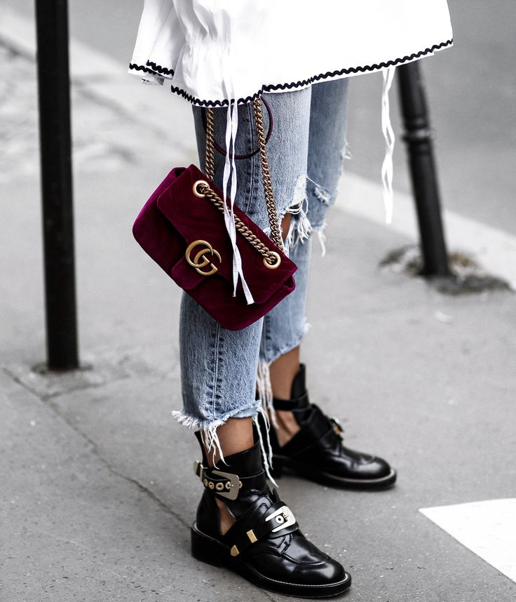 Red velvet | Gucci | Bag | Streetstyle | More on Fashionchick.nl