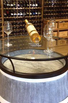 Weinregale Für Eine Perfekte Präsentation Und Lagerung Von Weinflaschen :  Für Den Fachhandel Und Den Privaten Weinkeller. Restaurierte Weinfässer ...