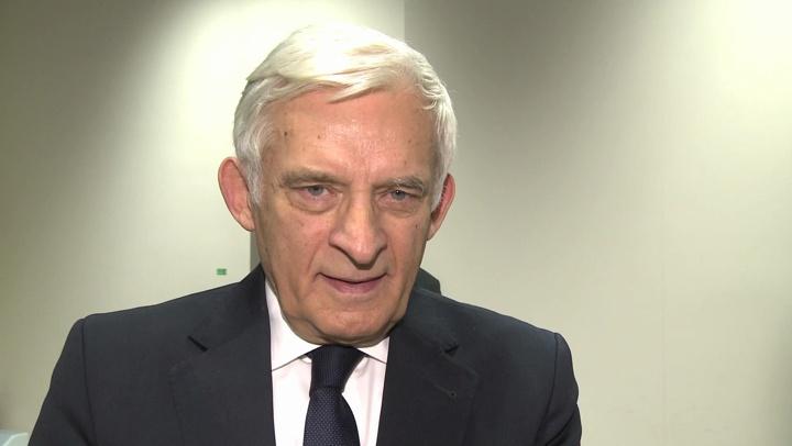 http://electromatix.pl/prof-j-buzek-polska-nie-moze-odejsc-od-wegla/  W Polsce jest miejsce i na węgiel, i na odnawialne źródła energii, i na atom – uważa prof. Jerzy Buzek. Musimy postawić także na energooszczędność i zmienić nawyki dotyczące wykorzystywania prądu.