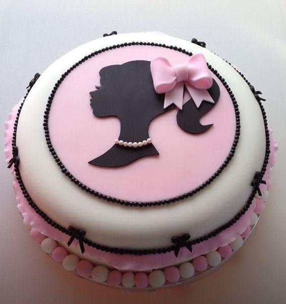 Cake Design Torta Barbie : #vintage #barbie #fondant #cake tortas Pinterest ...