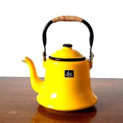デコラホーロー 黄色のベルケトル http://dormitorica.com/?pid=99299339