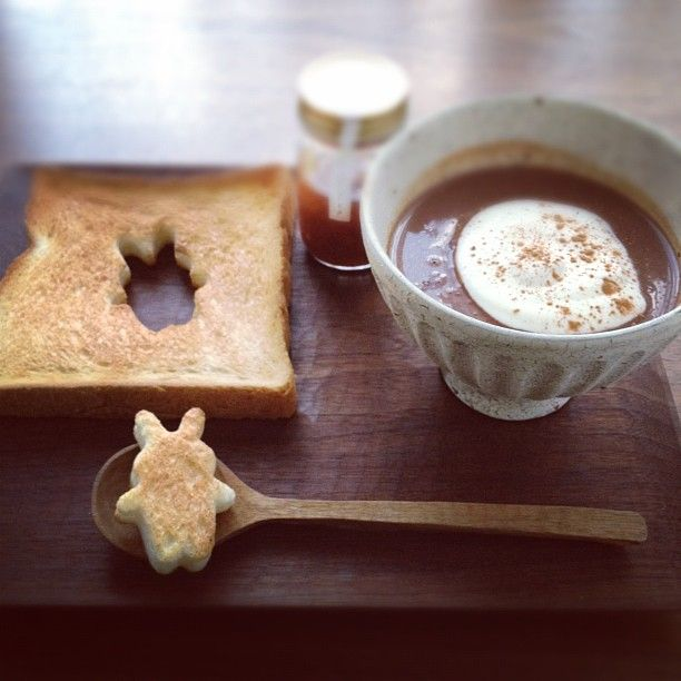hot chocolate + bread bunnies (for dunking)!