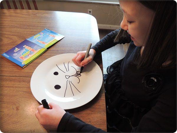 Fun DIY Kids Craft: Sharpie Plates