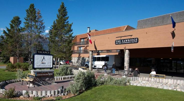 Sawridge Inn & Conference Centre Jasper Jasper Featuring an indoor pool and on-site spa services, this Jasper hotel offers 3 restaurants. Free WiFi and a refrigerator are included in each guest room. Jasper city centre is just 3 minutes' drive away.