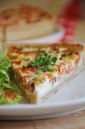 Quiche aux tomates, fromage de chèvre et basilic : la recette facile