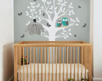 Buhos de árbol y mariposas - vivero Wall Decal Sticker