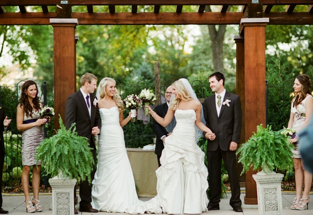 How to do a double wedding ceremony