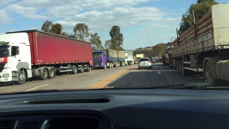 BR 040: Protesto Caminhoneiros. Aumento Gasolina. Fora Temer. IMG_0827. ...