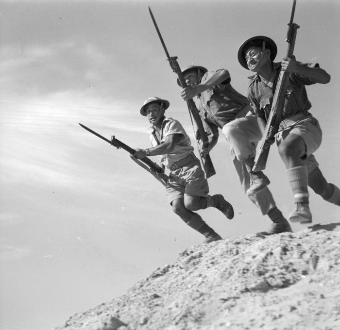 Soldiers of the Māori Battalion training in the Western Desert, Egypt. The Māori infantrymen earned a fearsome reputation for their skill with the bayonet.
