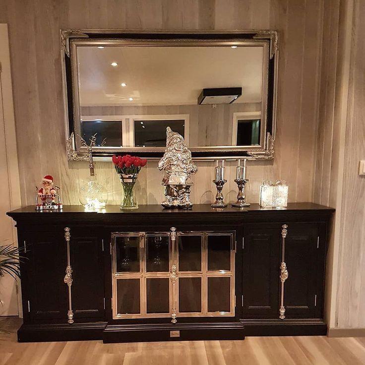 #Repost @rmberserk77  #Classicliving#manhattan #hyttekos #førjulstur #saltdalahytta #blacandsilver #storfosna #mirror #furniture #home #interiorlovers  #housedecor #interiorpassion #decoration #design #vakrehjemoginteriør #housestyling #homestyling #classy #vakrehjem #nordiskehjem #nordicinspiration #boligpluss #bobedre #skandenaviskehjem #finahem #classichomes  #interiordesign #interiorstyle @classicliving