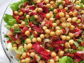 Salata de naut cu ardei kapia copti(chickpea salad with roasted pimiento)
