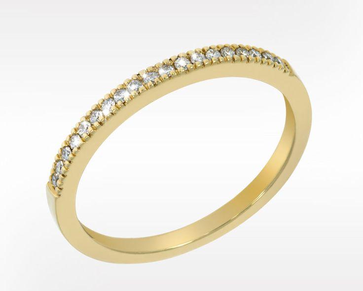 Gult 585-gull med Diamanter TW/VS totalt 0,14 ct. Bredde 2,0 mm. <emphasize>Sublime passer fint sammen med din giftering eller andre ringer !</emphasize>