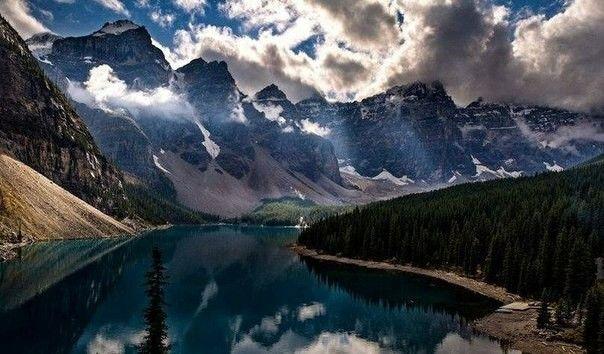 Озеро Морейн, Альберта, Канада