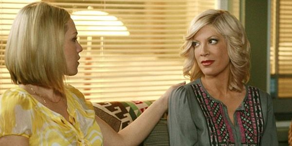While Beverly Hills, 90210 has been off the air for the past 17 years, Tori Spelling and Jennie Garth have reunited on the small screen. The actresses starred in Mystery GIrls together, which was a sitcom that aired on ABC Family back in 2014. They played former stars of a fictional 1990s TV...