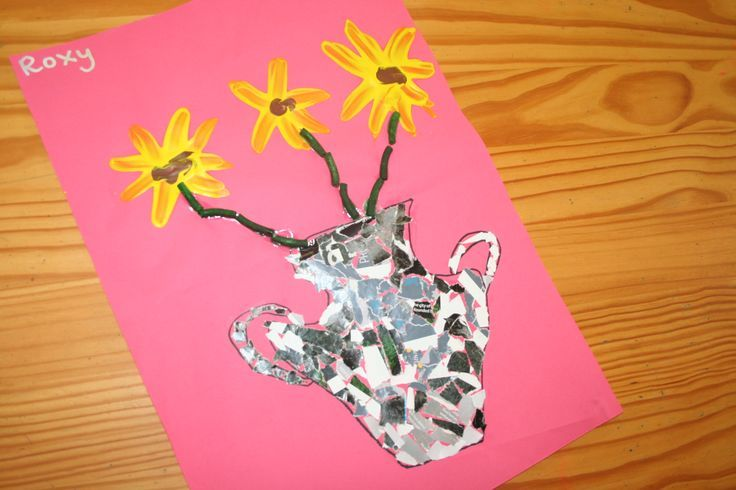 Sunflower Art Preschool Idea - collage and finger painting fun activity and other Sunflower activities.