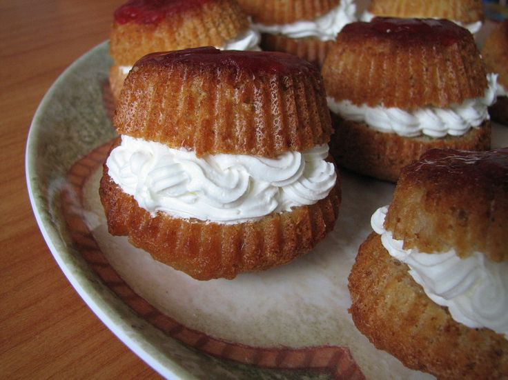 Reteta culinara Minisavarine din categoria Prajituri. Cum sa faci Minisavarine