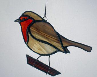 Elegante Ransuil gebrandschilderd glas extra grote zon catcher Approx.10 x 8 Omvat opknoping draad.   Mijn eigen oorspronkelijke ontwerp, handgemaakt met gebrandschilderd glas. Elk stuk van kwalitatief hoogwaardige gebrandschilderd glas is knippen, koper-verijdeld en gesoldeerd in mijn eigen studio.   Om meer mooie vogels te zien: https://www.etsy.com/shop/BerlinGlass/search?search_query=bird&order=date_desc&view_type=list&ref=shop_search  Om te zien de rest van onze winkel…