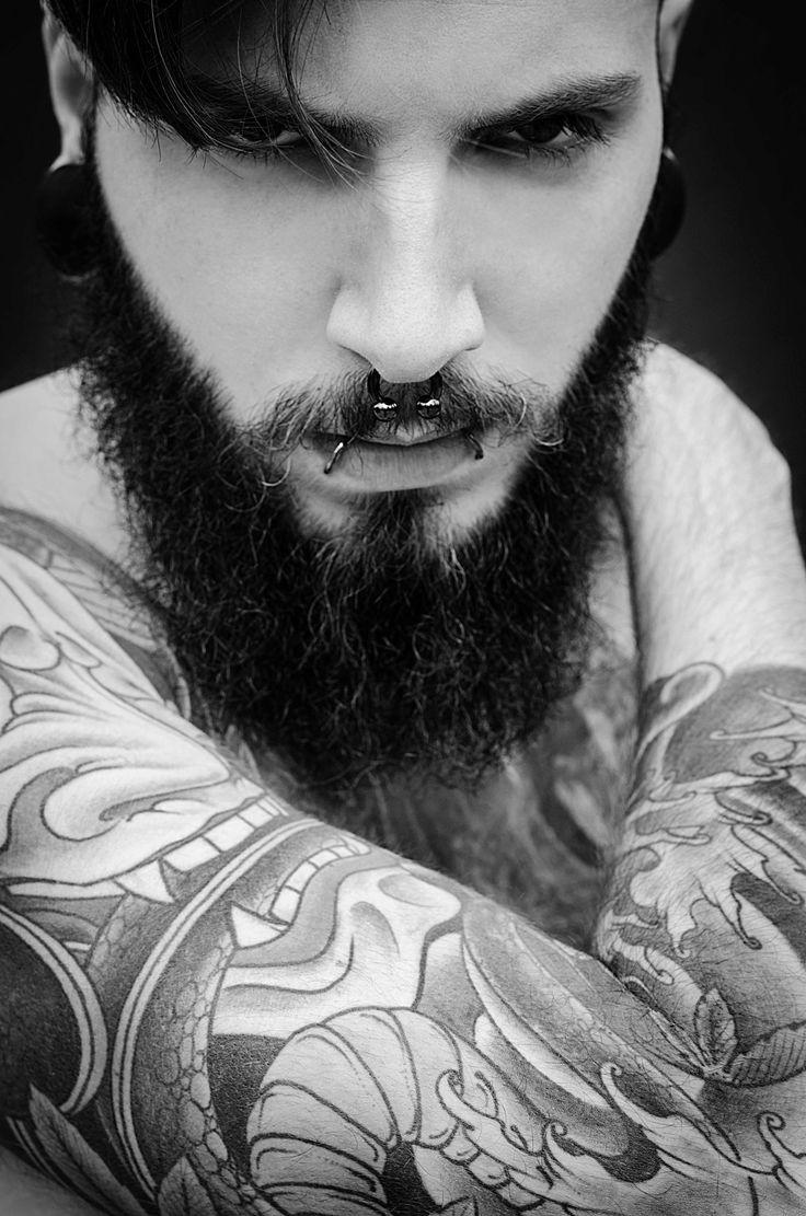 Fotografía: Sonia Díaz www.soniadiaz.net   Modelo: Álvaro Valiente #alternative #alternativo #barba #barbas #barcelona #beard #bearded #beards #burgos #colors #editorial #fashion #green #hombre #ink #man #men #menswear #miranda de ebro #moda #model #modelo #outfit #profesional #sonia diaz #style #tatto #tattos #tatuajes