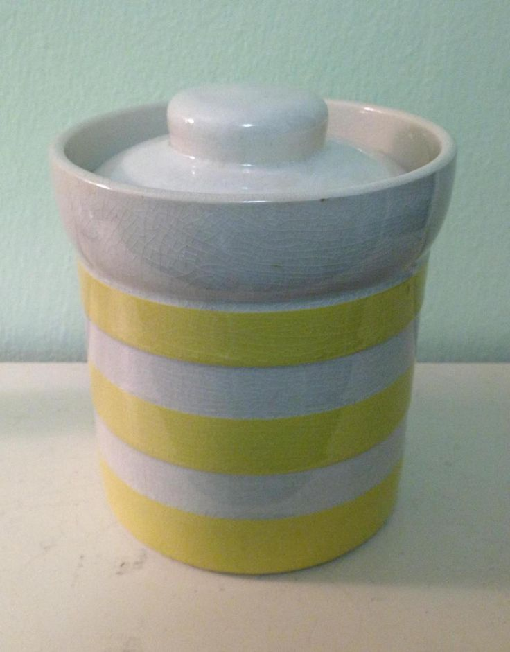 Sometimes you really get lucky at the charity shops. TG Green yellow-ware to go with my blue stripped Cornishware. $2