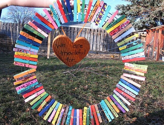 Teaching Peace in the Classroom-- I love this craft idea!!!