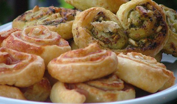 E visto che abbiamo parlato di verdure una ricetta semplice ma gustosa da servire ai vostri ospiti sia come antipasto che come secondo! http://www.ideegreen.it/sfogliatine-di-verdure-la-ricetta-35526.html