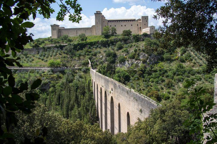 Rocca and the Ponte delle Torri da Andrew Moore Tramite Flickr: Our entrance into Spoleto