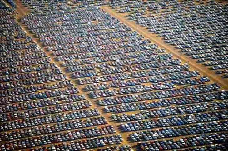 Огромные площади в мире забиты не проданными автомобилями. Как быть? Как сделать, чтобы все автомобили продавались? - это Реальная задача!