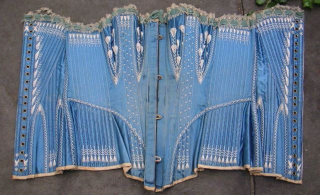 There is an insane level of detail to this corset. Love the strong sky blue colour.