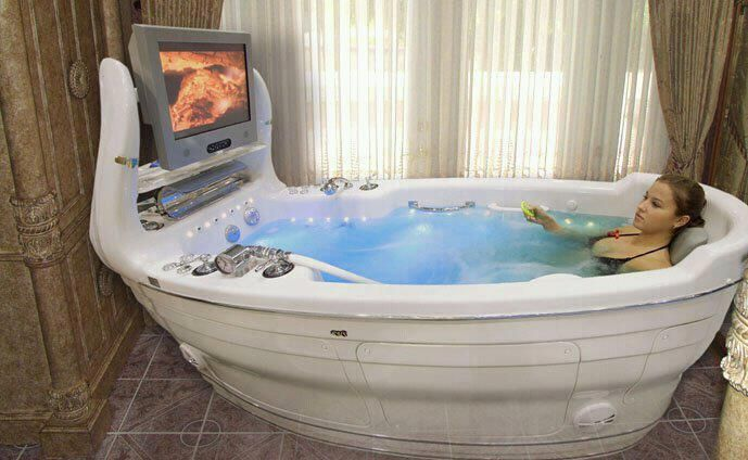 The ultimate bathtub. That's crazy.Woman Cave, Bath Tubs, Bathtubs, Dreams Come True, House, Hot Tubs, Bathroom, Yes Plea, Bath Time