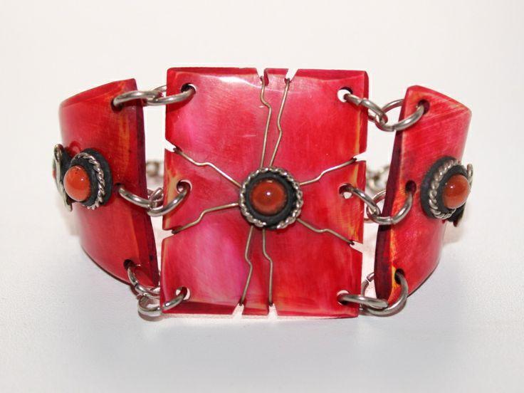 Bracelet made of horn.