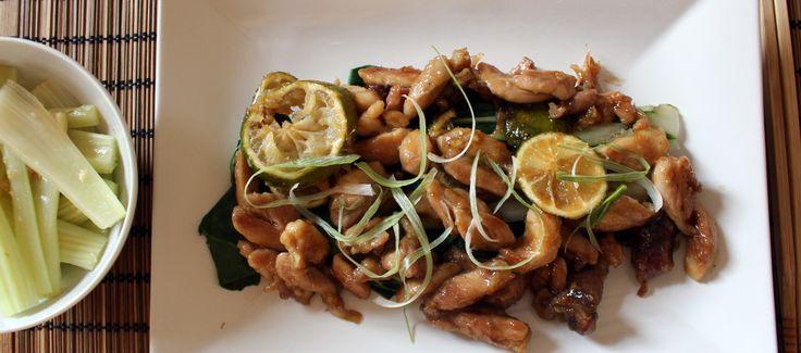 Il lime dà a questa ricetta freschezza, mentre lo zenzero aggiunge sapore a un piatto facile e veloce, ispirato della cucina cinese. Servirlo con un'insalata di sedano.