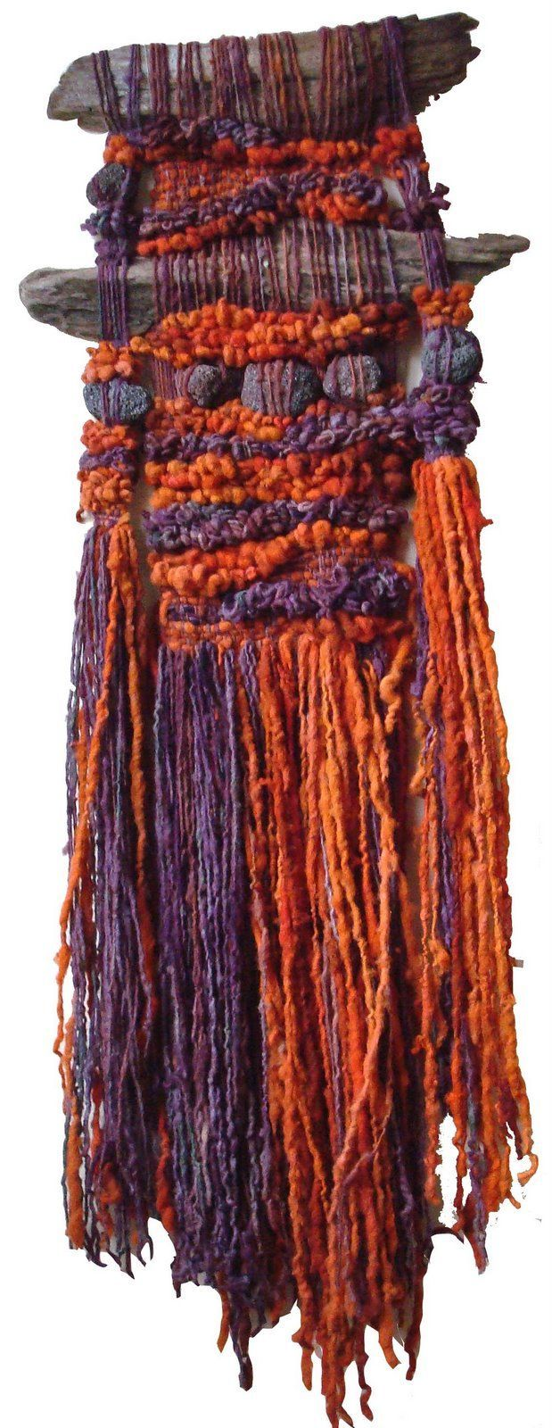 Arte Textil Marianne Werkmeister>>>M.Taylor: This looks a lot like the type of weavings I did in high school,sure wish I'd saved at least one thing, but sold most the good ones to mu art teachers and art neighbors, now I know why they wanted them so much!